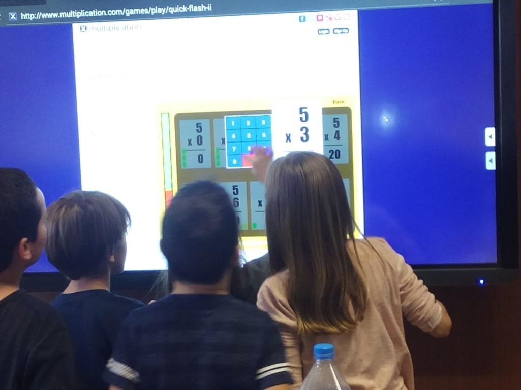 L'Escola Anselm Clavé: Clases más dinámicas con los monitores táctiles Clevertouch