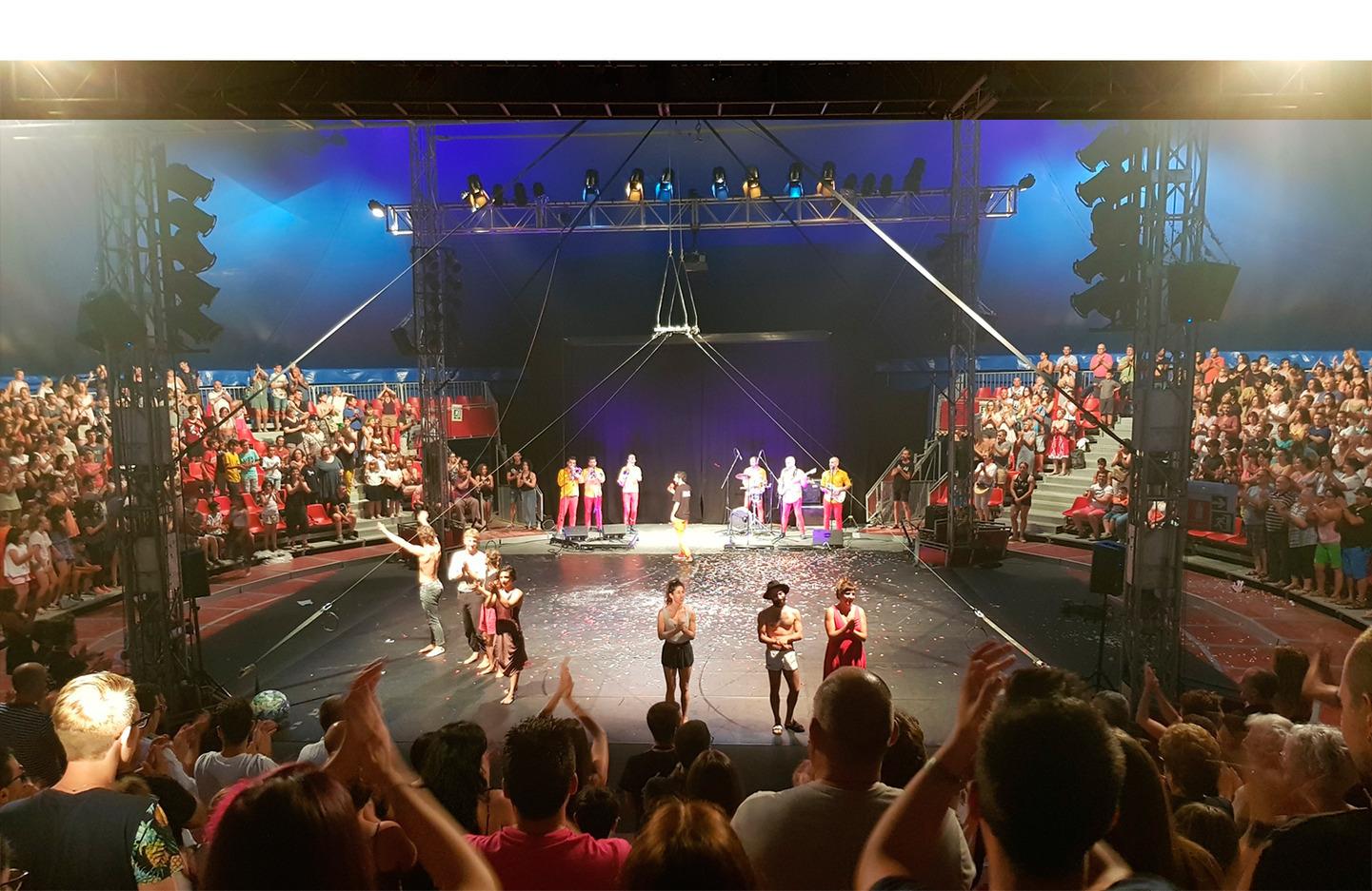 El Festival Deltebre Dansa abraza la proyección láser de Vivitek de la mano de Charmex